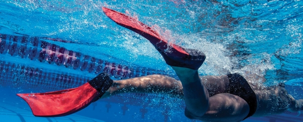 Finis Long Floating Fin Schwimmflossen Gr. S (35-37), Red/Black (1.05.037.04)